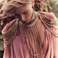GoodMorningPicture: OVERSIZE JEWELRY on a Dusty Pink Blouse