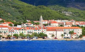 Credits. Makarska by tupungato photos/123rf