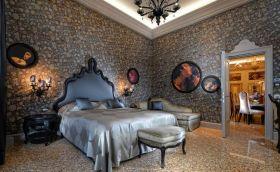 Credits. Booking/Palazzetto Madona Hotel