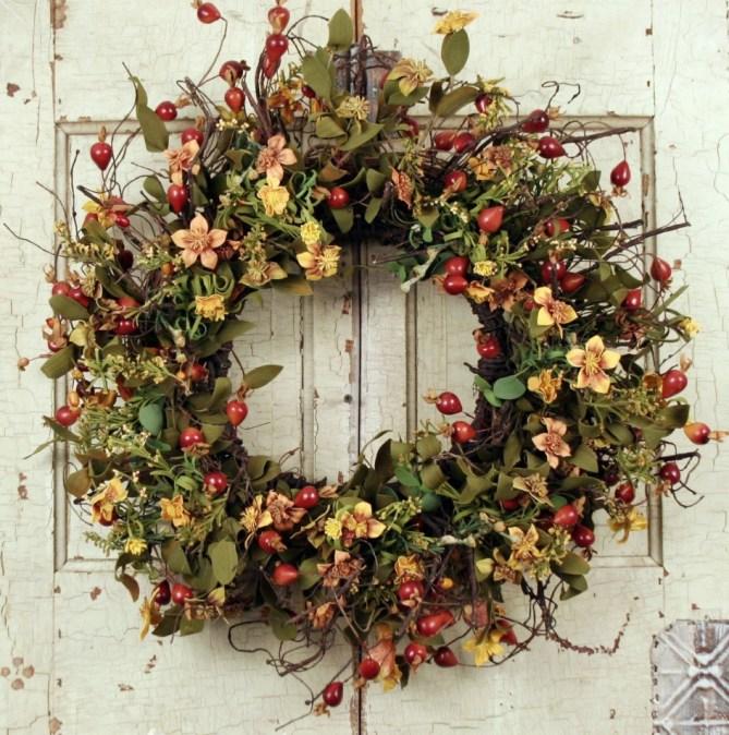15 Christmas Wreath Ideas - Berry Wreath