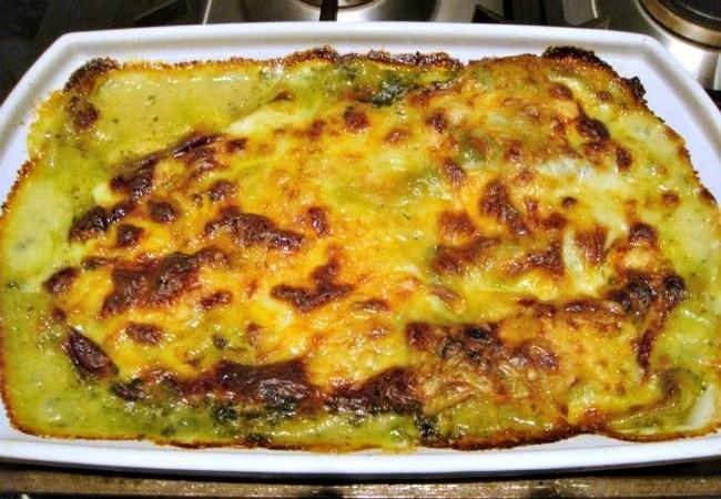 Chicken, Garlic and Spinach Lasagna – Lovefoodies
