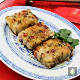 Lo Baak Gou – Chinese Turnip Cake! A delicious Traditional Chinese dish, often served as part of Dim Sum or at Chinese New Year. | Lovefoodies.com