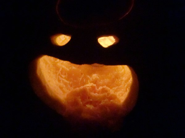 pumpkin-carving-fail
