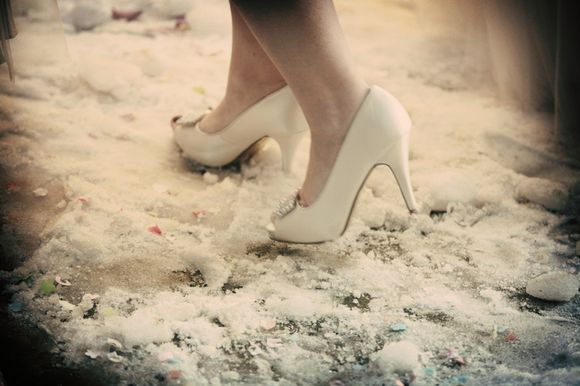 A Snow White, Wonderful Winter Wedding .... (Weddings )