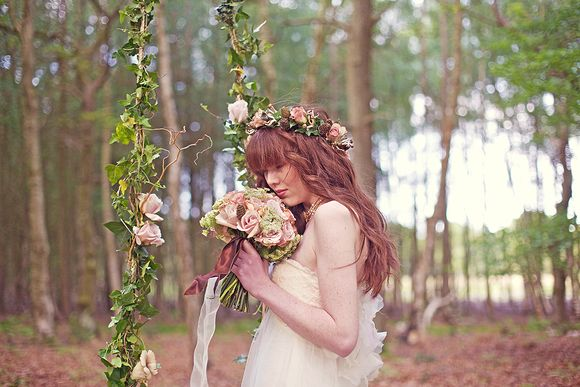 Claire Pettibone ~ Enchanting and Ethereal Woodland Shoot... ()
