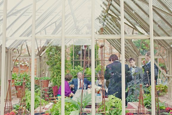A Beautifully Floral Walled Garden Wedding in the English Countryside... (Weddings )
