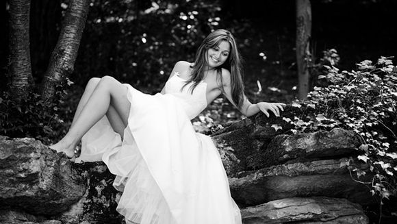 Win A Full Wedding Photography Package with 'Enchanting Wood Weddings', Worth £2,750... ()