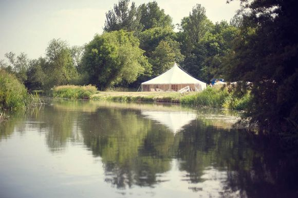 River Punting & Gramophone Records ~ A 1920's Inspired Garden Party Wedding... (Weddings )