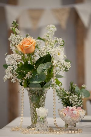 Queen Anne's Lace for a Pretty Peach Wedding... (Weddings )