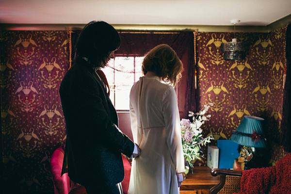A 1960s Inspired Elopement (Films )