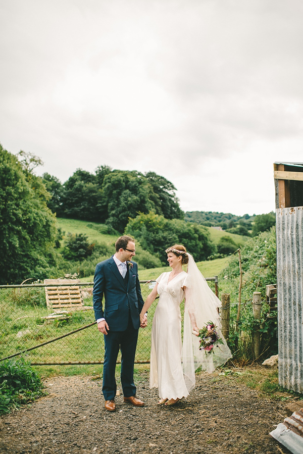 Outdoor Humanist wedding, 1930s vintage wedding dress, vintage wedding, Autumn wedding, September wedding, Photography by Ellie Gillard, find out more at  www.elliegillard.co.uk