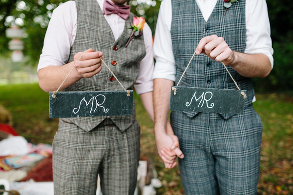 Autumn Wedding Inspiration ~  A Romantic Field Picnic, Rustic Barn, Bow Ties and Tweed (Styled Shoots )