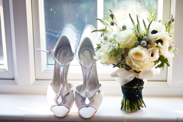 Eden by Jenny Packham, cosy London pub wedding, Photography by Hannah Mia