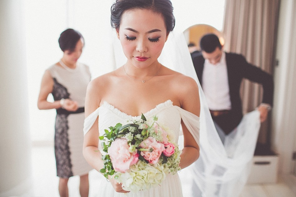 rooftop wedding, chinese bride, chinese wedding, vintage lace, monique lhuillier wedding dress