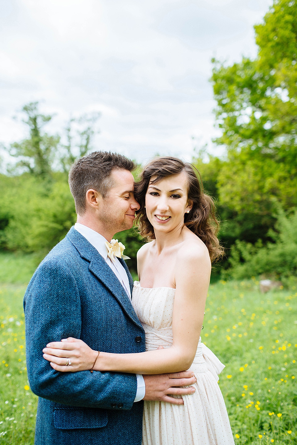 Late Spring/Early Summer Rustic Outdoor Wedding Inspiration in Shades of Yellow and Blue (Get Inspired Styled Shoots )