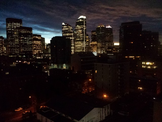 Вид из окна номера. Downtown Calgary