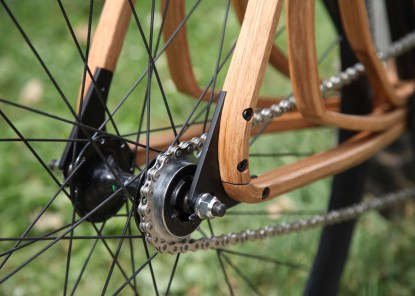 Wooden-bicycle_Niko-Schmutz_dezeen_1568_3