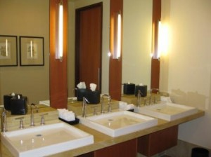 Four Seasons Silicon Valley, lobby restroom