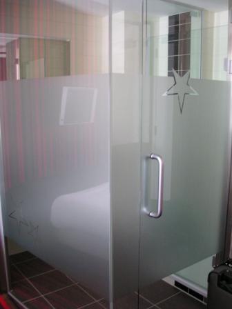 Amsterdam Ramada Hotel shower stall