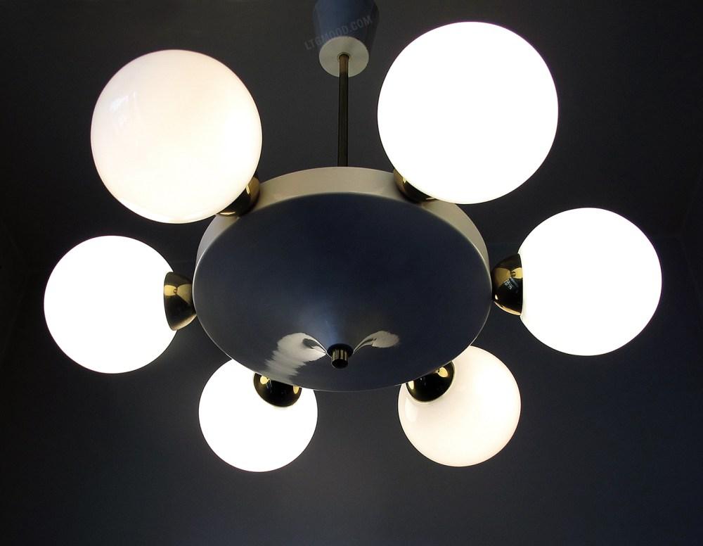 lustre stilnovo, opaline blanche et laiton 1960 vendu chez ltgmood luminaires vintage