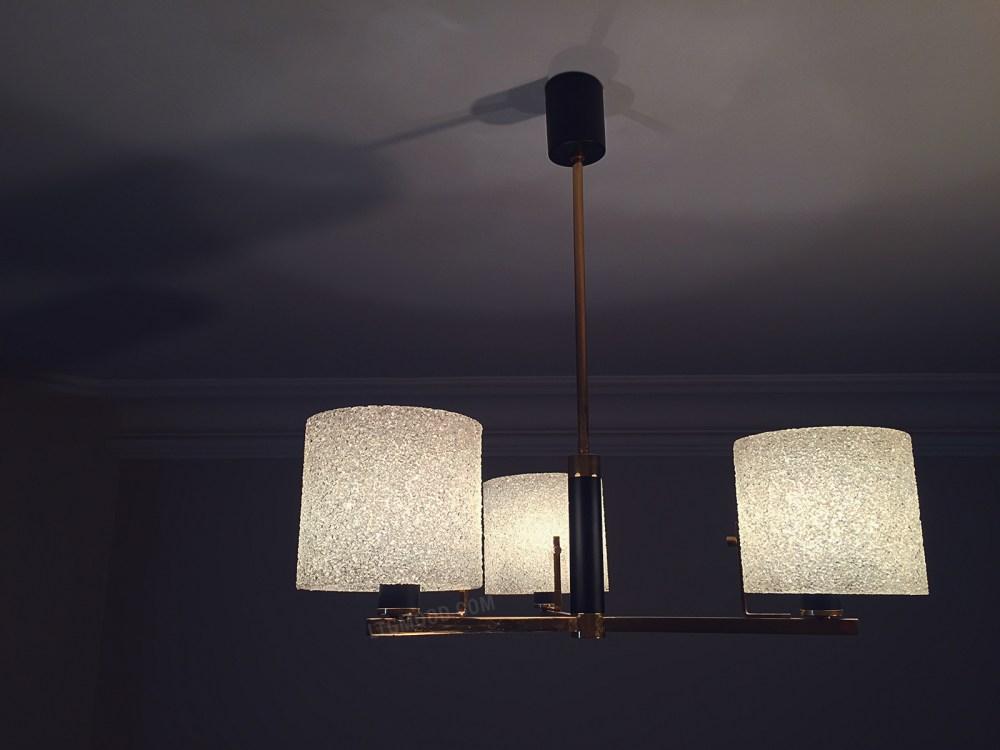 Lustre Arlus vintage 1950 laiton a vendre chez ltgmood.com galerie de luminaires vintage à paris