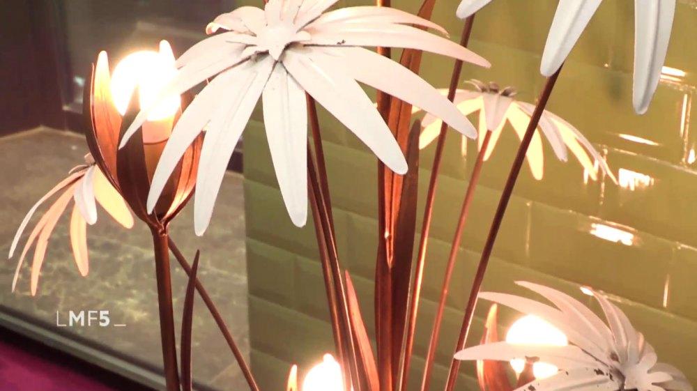 lampadaire fleur vu dans l'émission la maison france 5