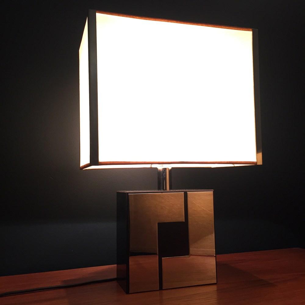 Lampe vintage à poser dans le gout de Willy Rizzo circa 1970. Luminaires vintage ltgmood.com
