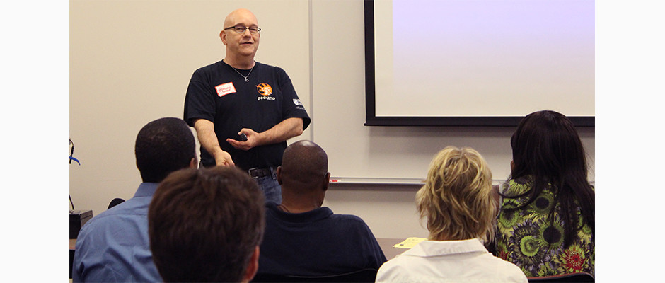 Steve Speaking at PodCamp Philly 2015 – cropped IMG_8124-940×400