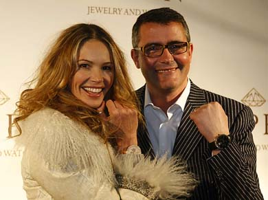 Elle Macpherson and Aspen One in Lucire