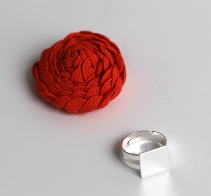 Floral Ric Rac Ring