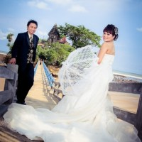 Foto Prewedding Outdoor atau Indoor