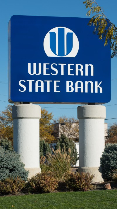 Western State Bank in Garden City, KS - Luminous Neon Art & Sign Systems | Kansas and Missouri ...