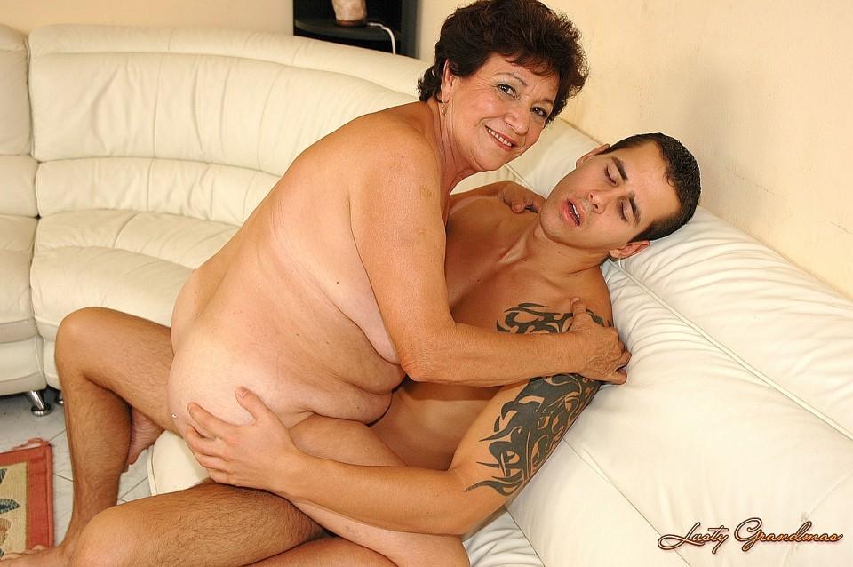 lusty grandmas astrid