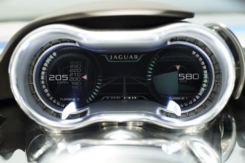 Tabeau de bord avec consommation en temps réel des moteurs électriques