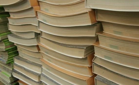 Piles de manuels