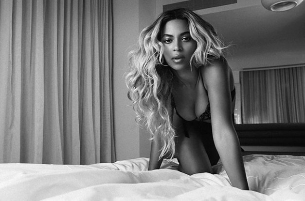 Beyonce black and white in bed