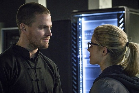 Arrow - My Name is Oliver Queen - Oliver and Felicity