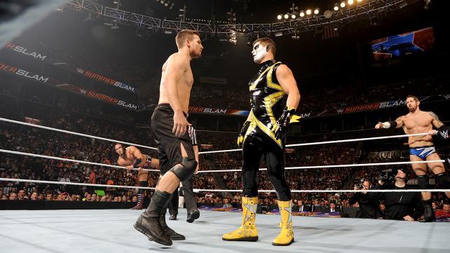 Arrow Stephen Amell vs Cody Rhodes Stardust