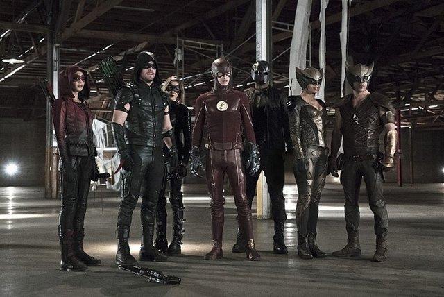 arrow-league-of-yesterday-speedy-green-arrow-black-canary-hawkman-flash-hawkgirl-diggle