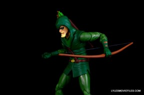 dc-icons-green-arrow-longbow-hunters-figure-review-jumping