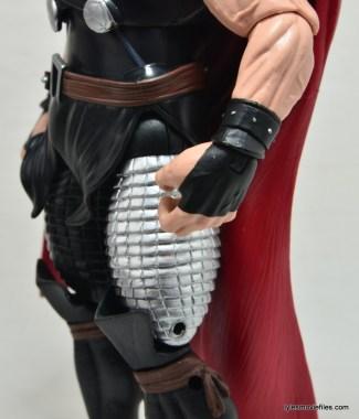 Marvel Legends Thor figure review -gauntlet detail