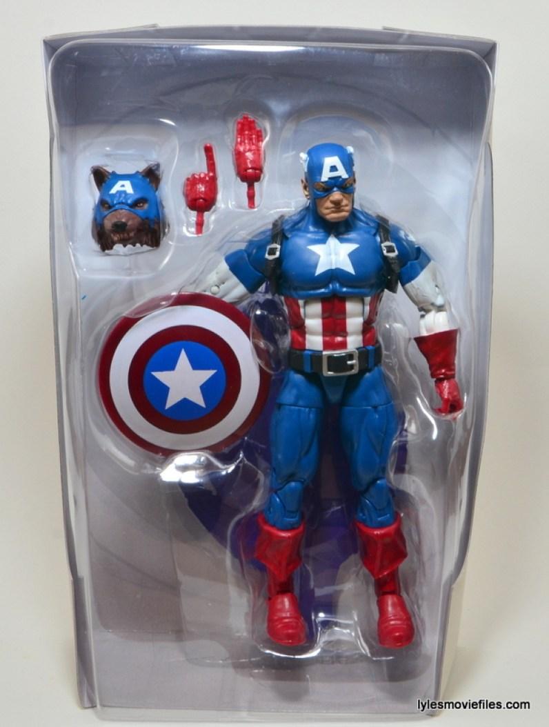 Marvel Legends Captain America review -inner tray