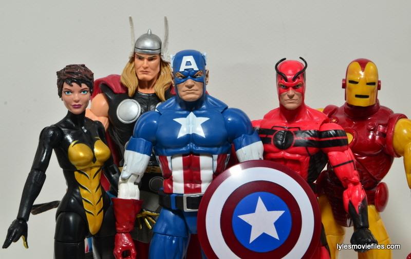 Marvel Legends Captain America review -original Avengers