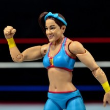 WWE Bayley figure review - fist up