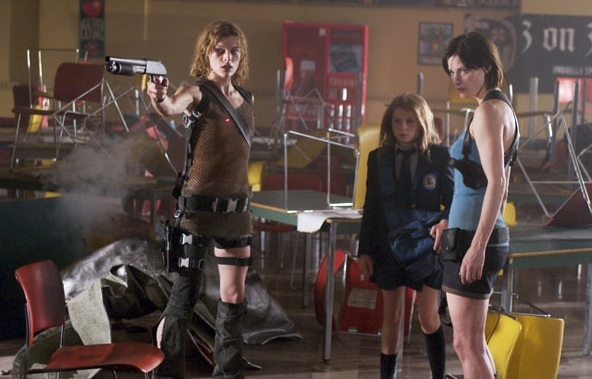 resident-evil-apocalypse-review -alice and jill valentine