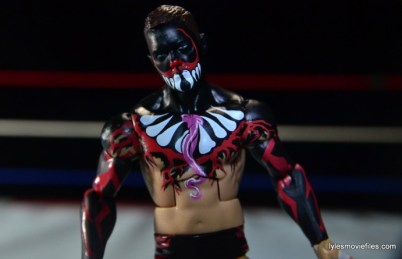 WWE Elite 41 Finn Balor - front paint detail