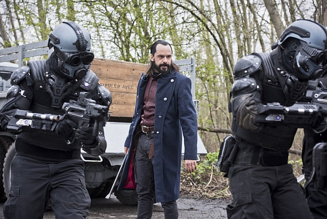 legends of tomorrow - legendary review - vandal savage-min