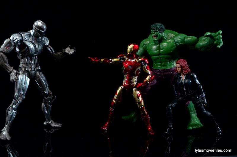 Iron Man Mark 43 Comicave Studios Omni Class Scale figure - with Black Widow and Hulk vs Ultron