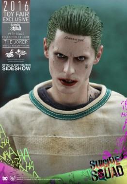 Hot Toys The Joker Arkham Asylum version -head close up