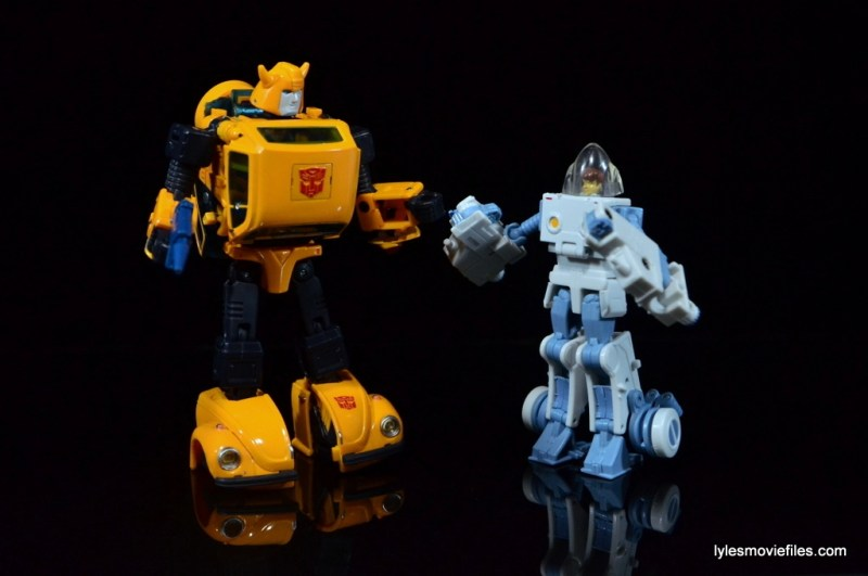 Transformers Masterpiece Bumblebee review -hanging with Spike